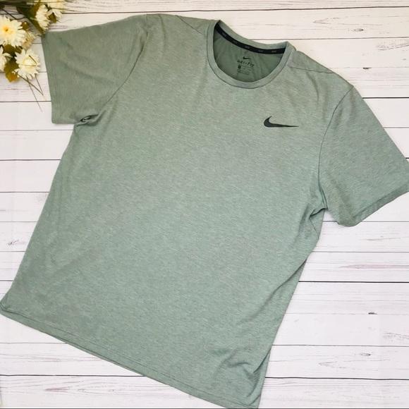 Green Small NWOT Men/'s Nike Dry Tee Shirt